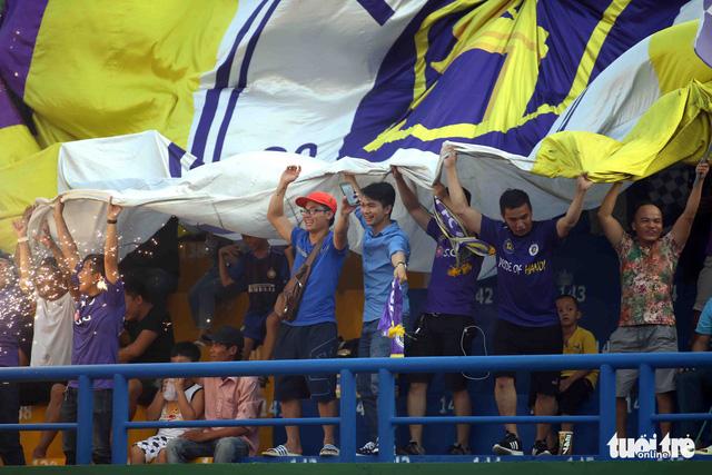 Sân Bình Dương đông kỷ lục trong ngày tiếp CLB Hà Nội - Ảnh 7.