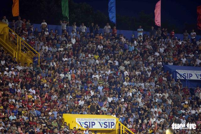 Sân Bình Dương đông kỷ lục trong ngày tiếp CLB Hà Nội - Ảnh 8.