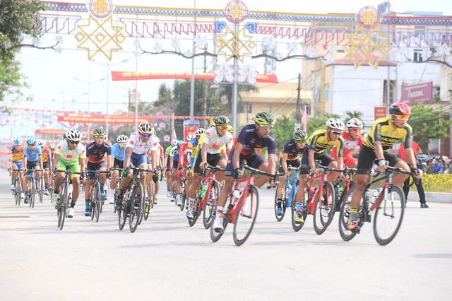 Mirsamad Pourseyed giành áo vàng cuộc đua xe đạp Về Điện Biên Phủ 2019 - Ảnh 3.