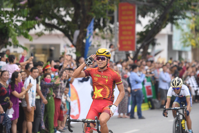 Mirsamad Pourseyed giành áo vàng cuộc đua xe đạp Về Điện Biên Phủ 2019 - Ảnh 2.