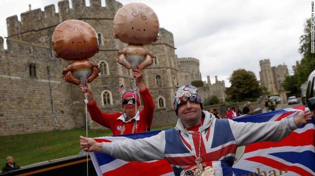 Hoàng gia Anh có thêm hoàng tử bé - Ảnh 4.