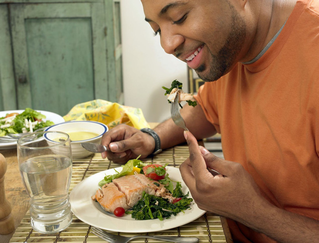 Chế độ ăn cho bệnh nhân đái tháo đường có bệnh tim mạch - Ảnh 1.