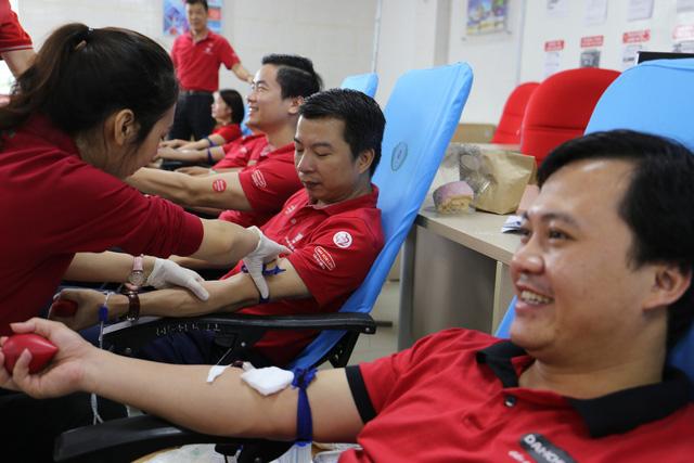 Dai-ichi Việt Nam hiến tặng 139 đơn vị máu tại Nghệ An - Ảnh 1.
