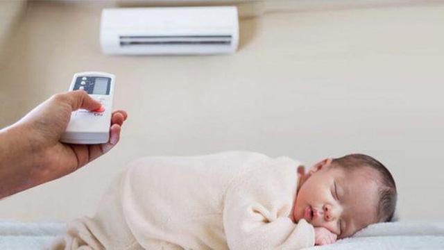 Trẻ bị sốt có nên nằm phòng có máy điều hòa không? - Ảnh 1.