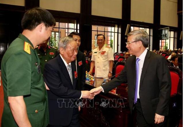 Lực lượng chuyên gia Việt Nam giúp cách mạng Campuchia nhận Huân chương Sao Vàng - Ảnh 2.