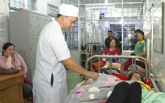 352 người bị ngộ độc ở hai tiệc cưới là do vi khuẩn trong gỏi hải sản