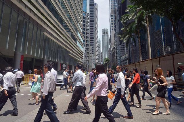 Singapore sẽ nâng tuổi nghỉ hưu người lao động - Ảnh 1.