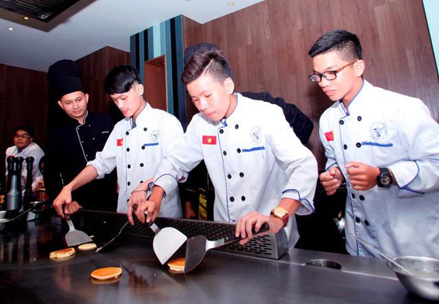 Trung cấp Việt Giao cam kết lương trên 10 triệu sau tốt nghiệp - Ảnh 2.