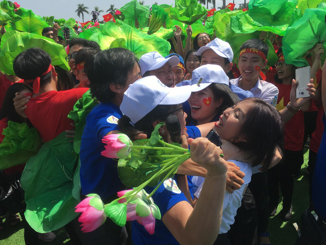 Thế Trung - Nghệ An giành vòng nguyệt quế Đường lên đỉnh Olympia - Ảnh 1.