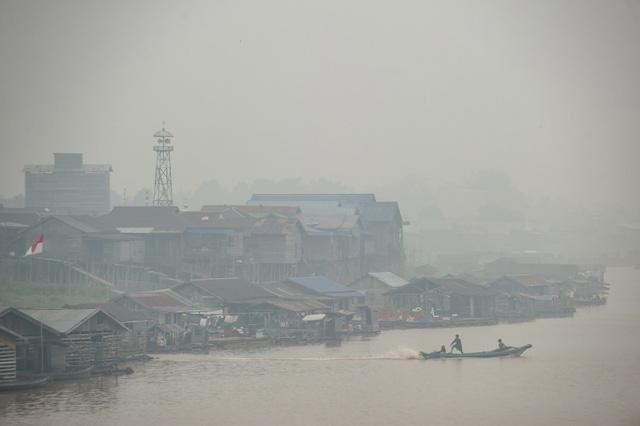 Indonesia: Hơn 900.000 người bị bệnh về đường hô hấp do cháy rừng - Ảnh 1.