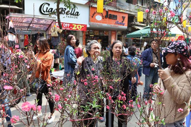 Từ 9-1, Hà Nội cấm đường một loạt tuyến phố cổ để tổ chức Chợ hoa Xuân 2020 - Ảnh 1.