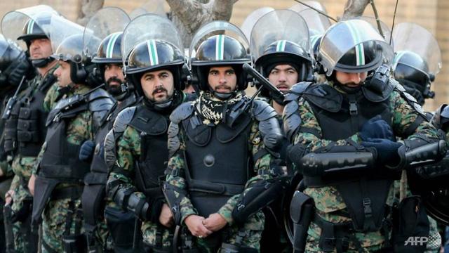 Người dân phẫn nộ vụ bắn nhầm máy bay, Iran xuống thang căng thẳng  - Ảnh 1.