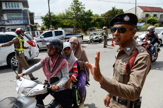 Thái Lan phạt nặng chủ phương tiện xả khói đen gây ô nhiễm - Ảnh 1.