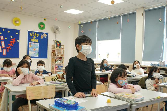 Nhiều trường học chuẩn bị khu vực cách ly, mua máy đo thân nhiệt
