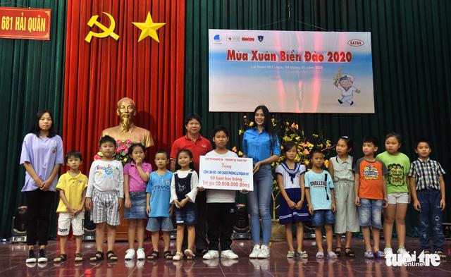 Mùa xuân biển đảo lần 9: Bên vịnh Phan Thiết, bâng khuâng nhớ Trường Sa - Ảnh 17.