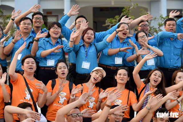 Mùa xuân biển đảo lần 9: Bên vịnh Phan Thiết, bâng khuâng nhớ Trường Sa - Ảnh 7.