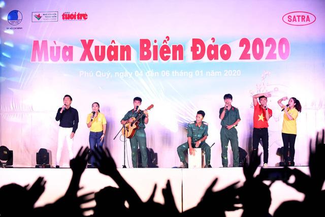 Mùa xuân biển đảo 2020: Những chiến sĩ tuổi đôi mươi khoe tài hát, nhảy - Ảnh 6.