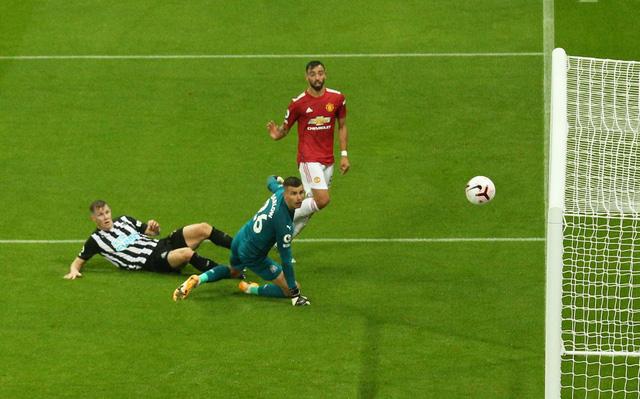 Bùng nổ cuối trận, Man Utd thắng đậm Newcastle tại St James Park - Ảnh 4.