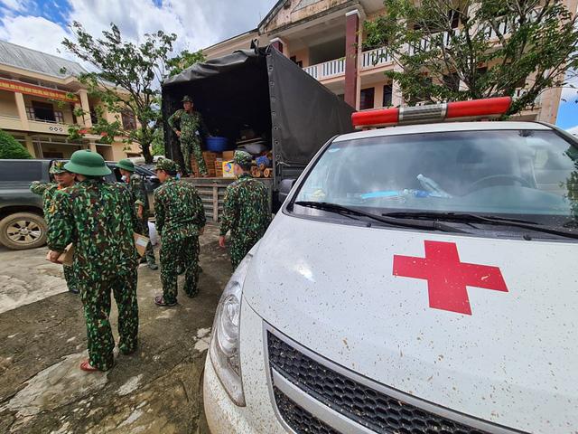 Sạt lở ở Quảng Nam: Đã tìm được 16 nạn nhân từ Trà Vân - Trà Leng  - Ảnh 4.
