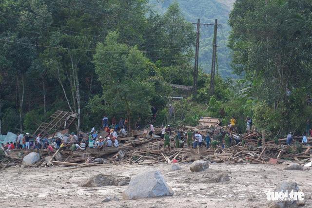 Cập nhật mới nhất ở Nam Trà My: Cả ngôi làng bị san phẳng, chúng tôi không thấy gì hết - Ảnh 1.