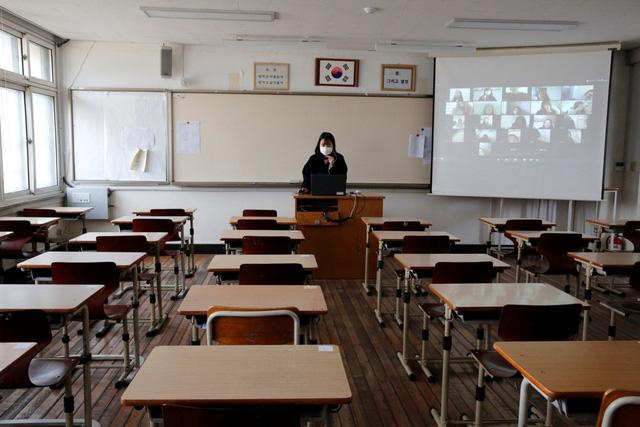 Sống lệ thuộc công nghệ, nhiều người Hàn Quốc cần thải độc kỹ thuật số - Ảnh 1.