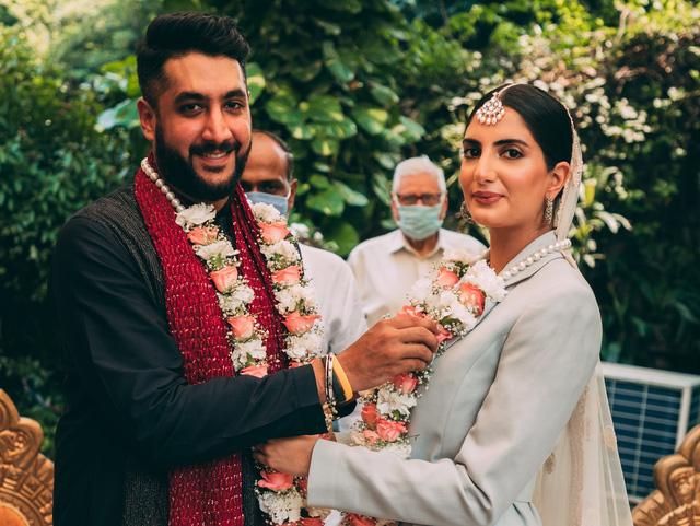 Ngành thời trang cưới ở Ấn Độ thay áo thời đại dịch COVID-19 - Ảnh 1.