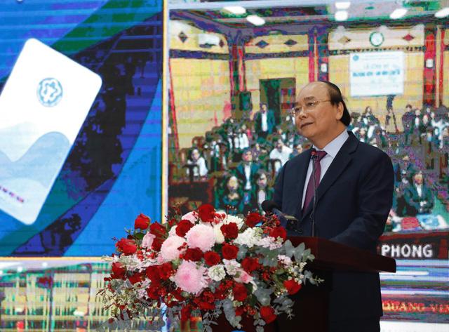 Thủ tướng yêu cầu phổ cập các ứng dụng số 'có lợi cho người dân' - Ảnh 1.