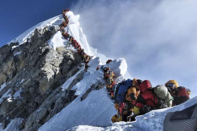 Nepal, Trung Quốc cùng công bố độ cao mới của đỉnh Everest - Ảnh 1.