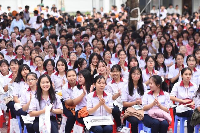 ĐH Ngân hàng TP.HCM công bố 5 phương thức tuyển sinh đại học - Ảnh 1.