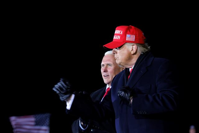 Điểm bỏ phiếu Millsfield: ông Trump 16 phiếu, ông Biden 5 phiếu - Ảnh 2.