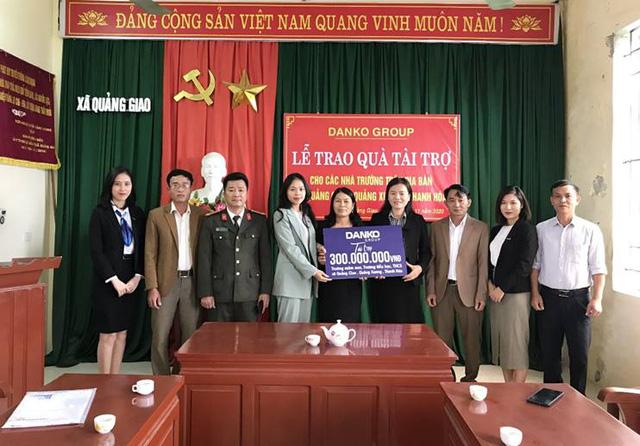 Danko Group trao Quỹ học bổng Danko cho các trường tại xã Quảng Giao, tỉnh Thanh Hóa - Ảnh 1.