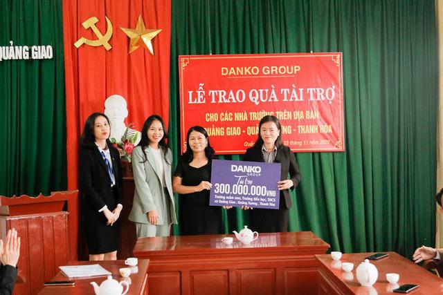 Danko Group trao Quỹ học bổng Danko cho các trường tại xã Quảng Giao, tỉnh Thanh Hóa - Ảnh 9.