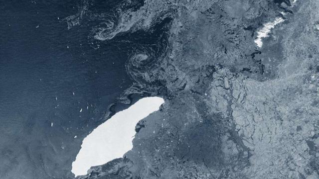 Tảng băng trôi lớn nhất thế giới có thể đâm vào hòn đảo thuộc Anh - Ảnh 1.