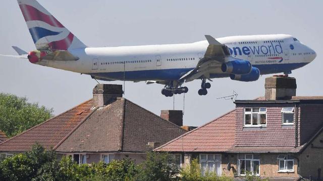 Các hãng hàng không lo ngại bị phạt nặng nếu Anh và EU không đạt được thỏa thuận - Ảnh 1.