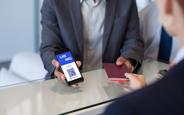 Các công ty công nghệ vào cuộc phát triển ứng dụng hộ chiếu vaccine - Ảnh 1.