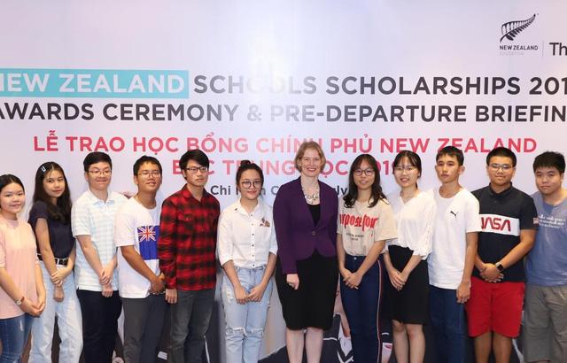 New Zealand cấp 40 suất học bổng trị giá 4,8 tỉ đồng cho học sinh Việt - Ảnh 1.