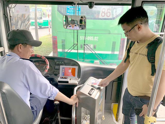 TP Hồ Chí Minh áp dụng thẻ thanh toán thông minh cho giao thông công cộng - Ảnh 1.