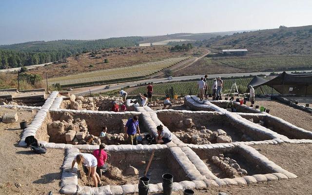 Phát hiện quần thể đền thờ niên đại 3.200 năm ở Israel - Ảnh 1.
