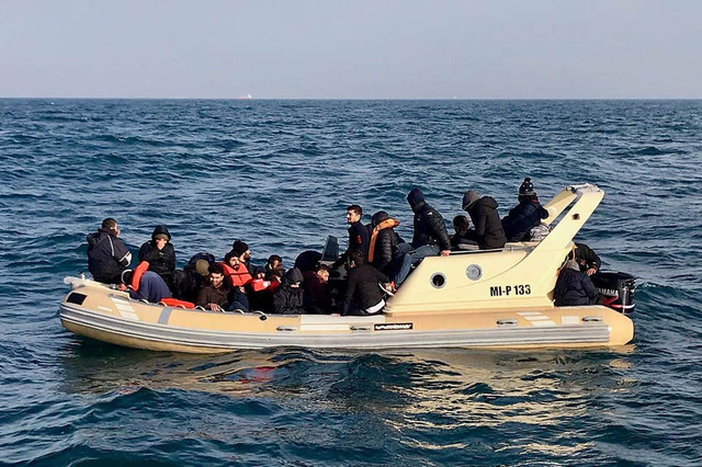 Anh công bố hệ thống nhập cư mới dựa trên thang điểm - Ảnh 1.