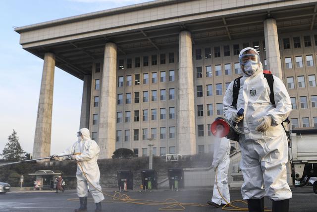 Dịch COVID-19 ngày 26-2: Hàn Quốc tăng lên hơn 1.100 ca nhiễm, Ý 322 ca - Ảnh 2.