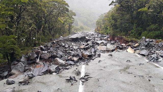New Zealand: Hàng nghìn cư dân ở đảo Nam phải đi sơ tán do ngập lụt - Ảnh 1.