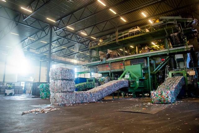 Châu Âu thúc đẩy thỏa thuận nhằm kiểm soát rác thải nhựa trong khu vực - Ảnh 1.