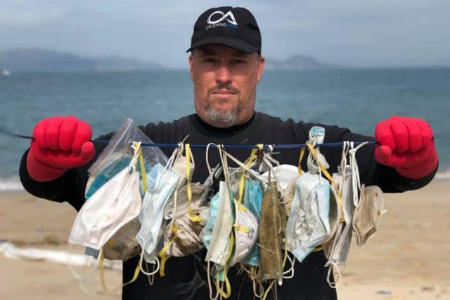Hong Kong đối mặt vấn nạn ô nhiễm môi trường từ khẩu trang bỏ đi - Ảnh 1.