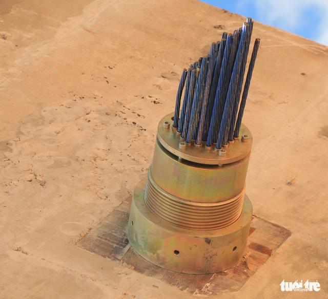 Yêu cầu tháo dỡ cầu đáy kính xây lụi ở Thung lũng Tình yêu - Ảnh 3.
