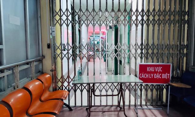 Bệnh viện Xanh Pôn dỡ phong tỏa khoa chấn thương chỉnh hình - Ảnh 1.