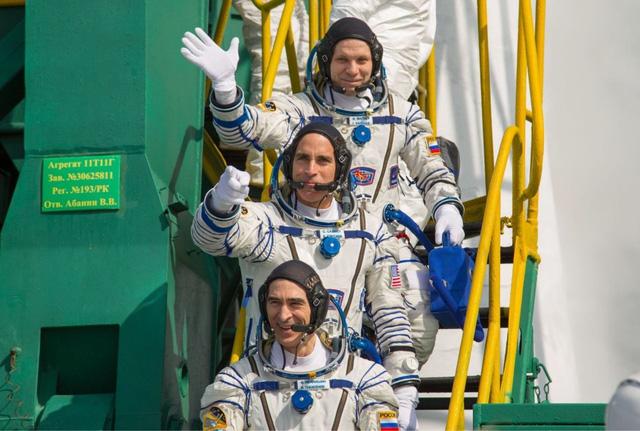 Nhiệm vụ đưa người lên ISS được triển khai đúng kế hoạch - Ảnh 1.