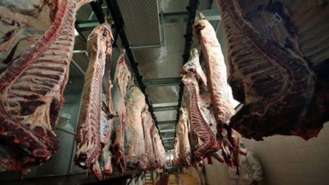 Nhập khẩu thịt bò của Trung Quốc giảm mạnh - Ảnh 1.