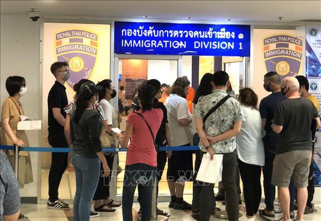 Thái Lan tiếp tục tự động gia hạn thị thực cho người nước ngoài đến 31-7 - Ảnh 1.