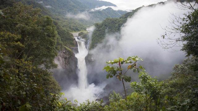 Thác nước cao nhất Ecuador bỗng biến mất vì hố tử thần - Ảnh 1.