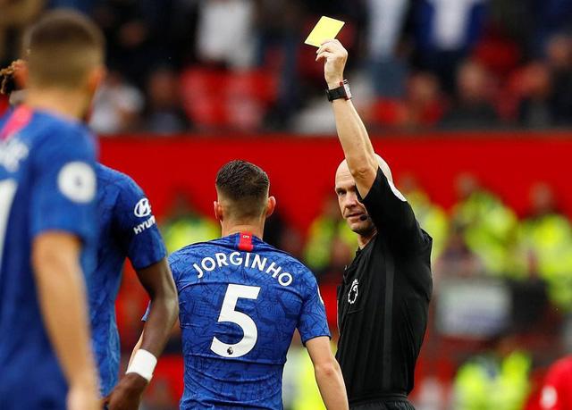 Ai là cha đẻ của thẻ vàng, thẻ đỏ trong bóng đá? - Ảnh 4.